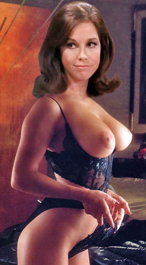 Tyler nackt  Mary Moore 41 Sexiest