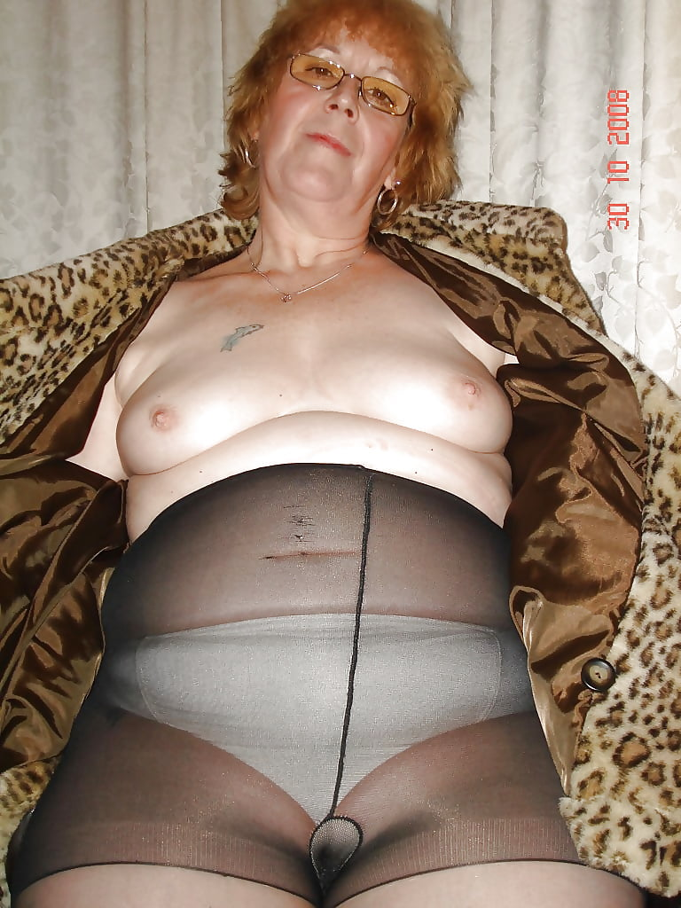 Granny In Panty And Pantyhose Photo CumLouder 1
