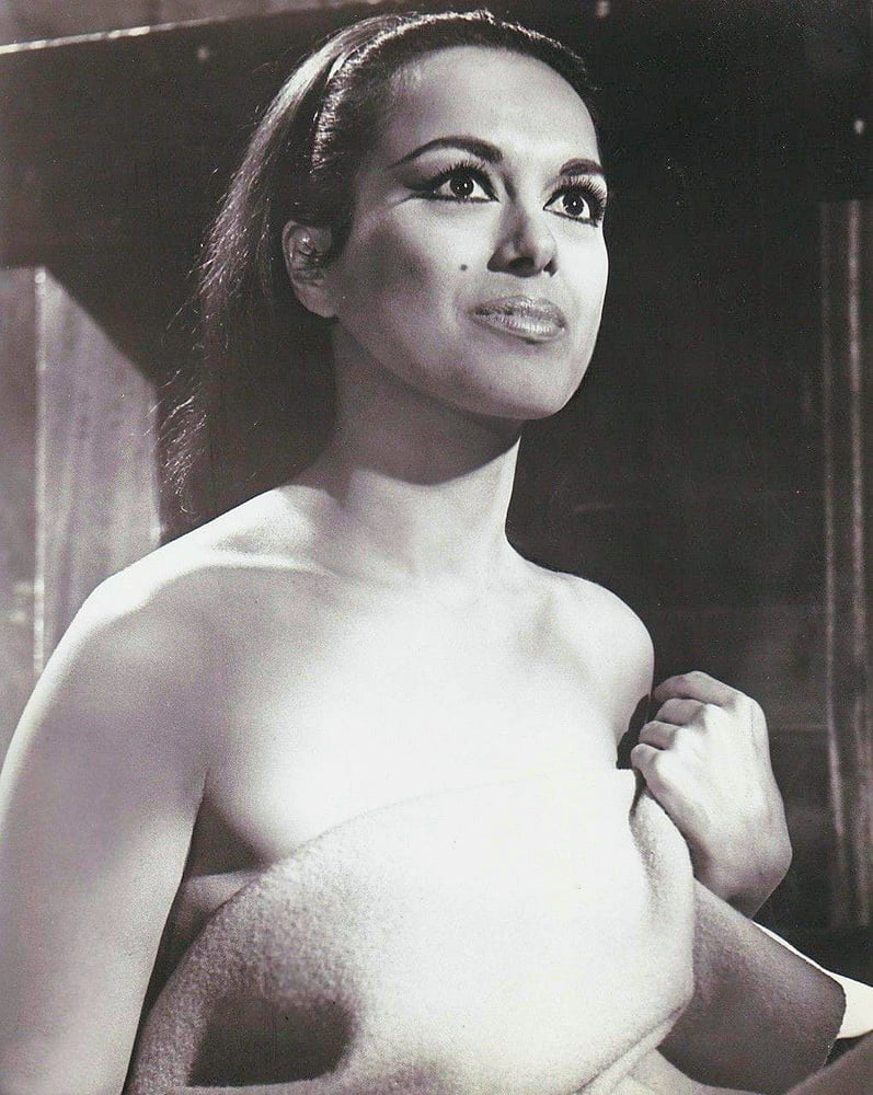 Aliza Gur  nackt