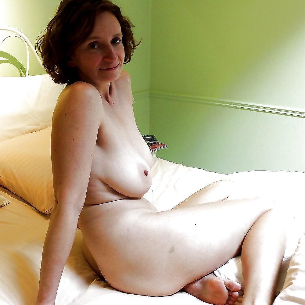 Домашнее Фото Обнаженных Взрослых Женщин