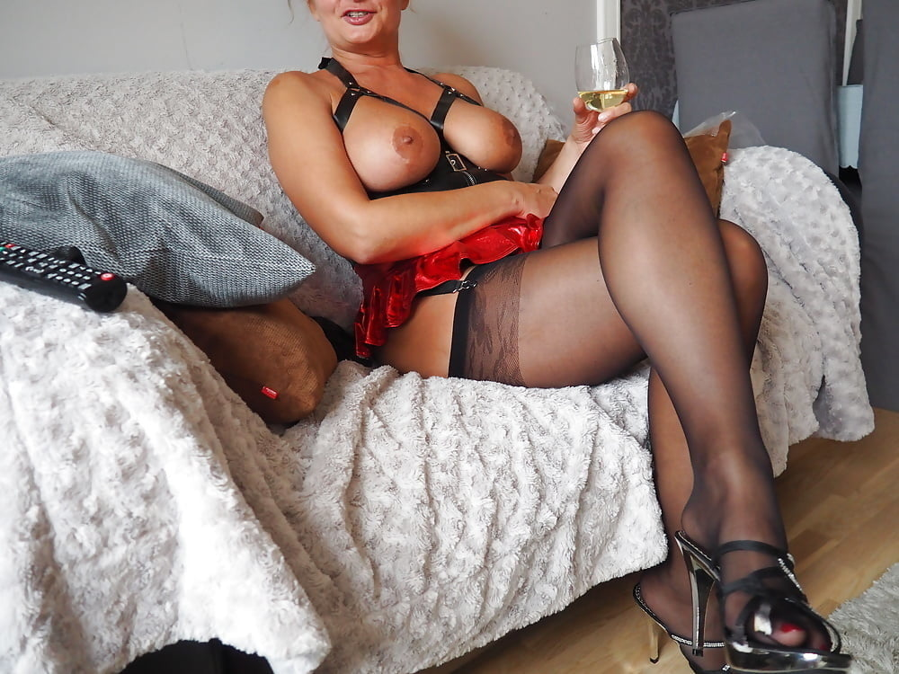 Freeyoung lesbian and milf