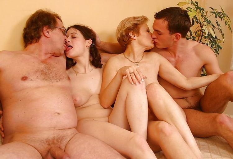 Семейный Секс Видео Онлайн