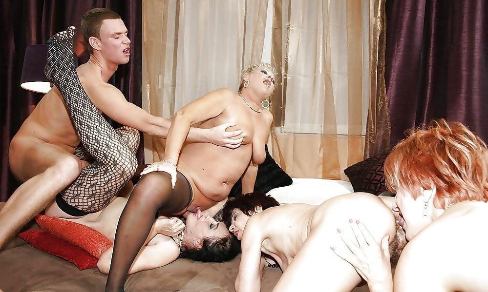 Порно Фильмы Групповой Секс Зрелые