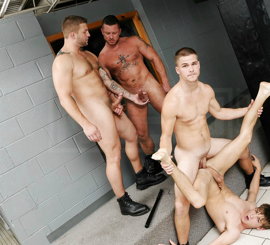 Гей Порно Молодых В Тюрьме