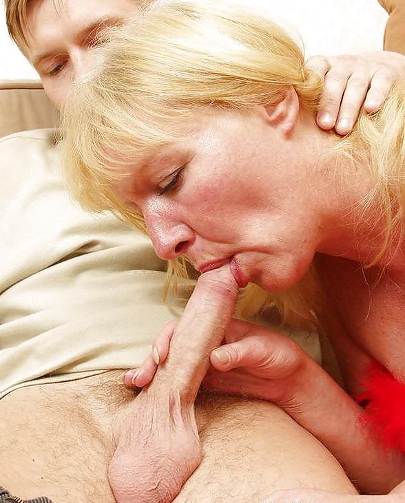 Порно Мама Просит В Рот