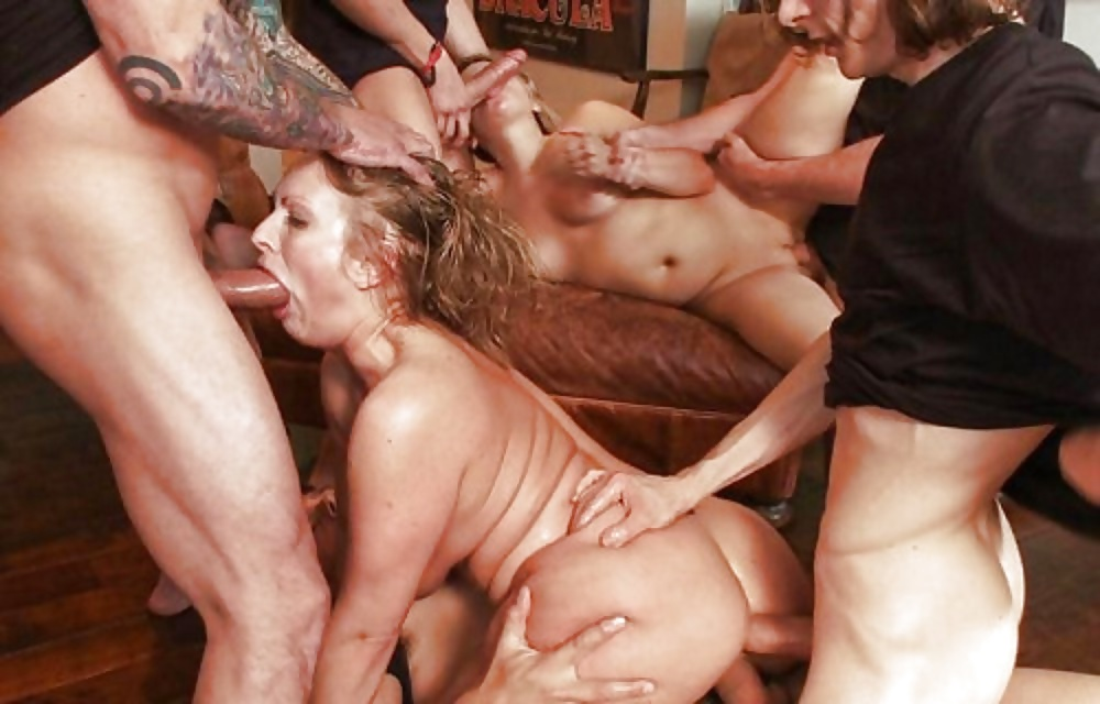 Секс Жесток Группа