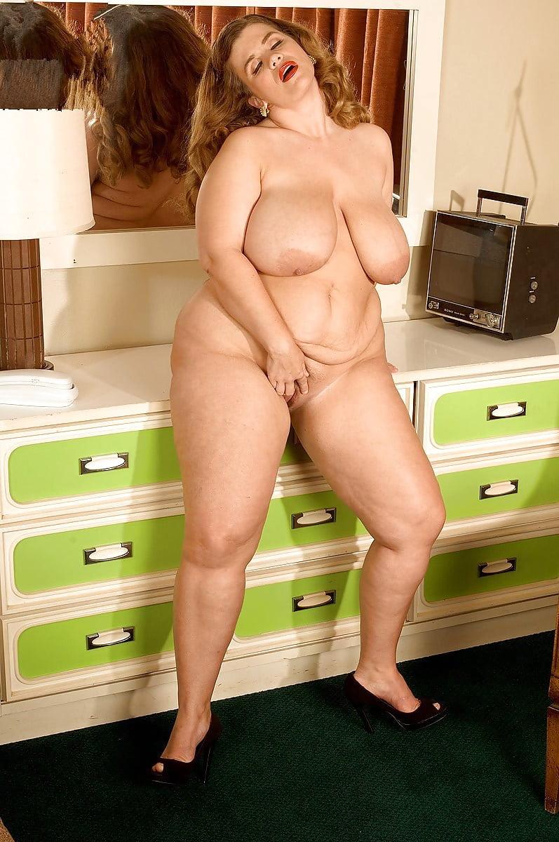 Обнаженные Зрелые Полные Женщины Фото