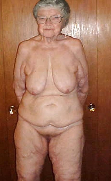Разными старая сморщенная грудь фото трахнуть свою жену