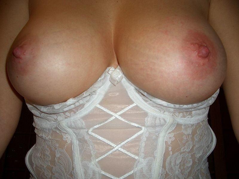 Horny Amateur Wife - 20 Pics