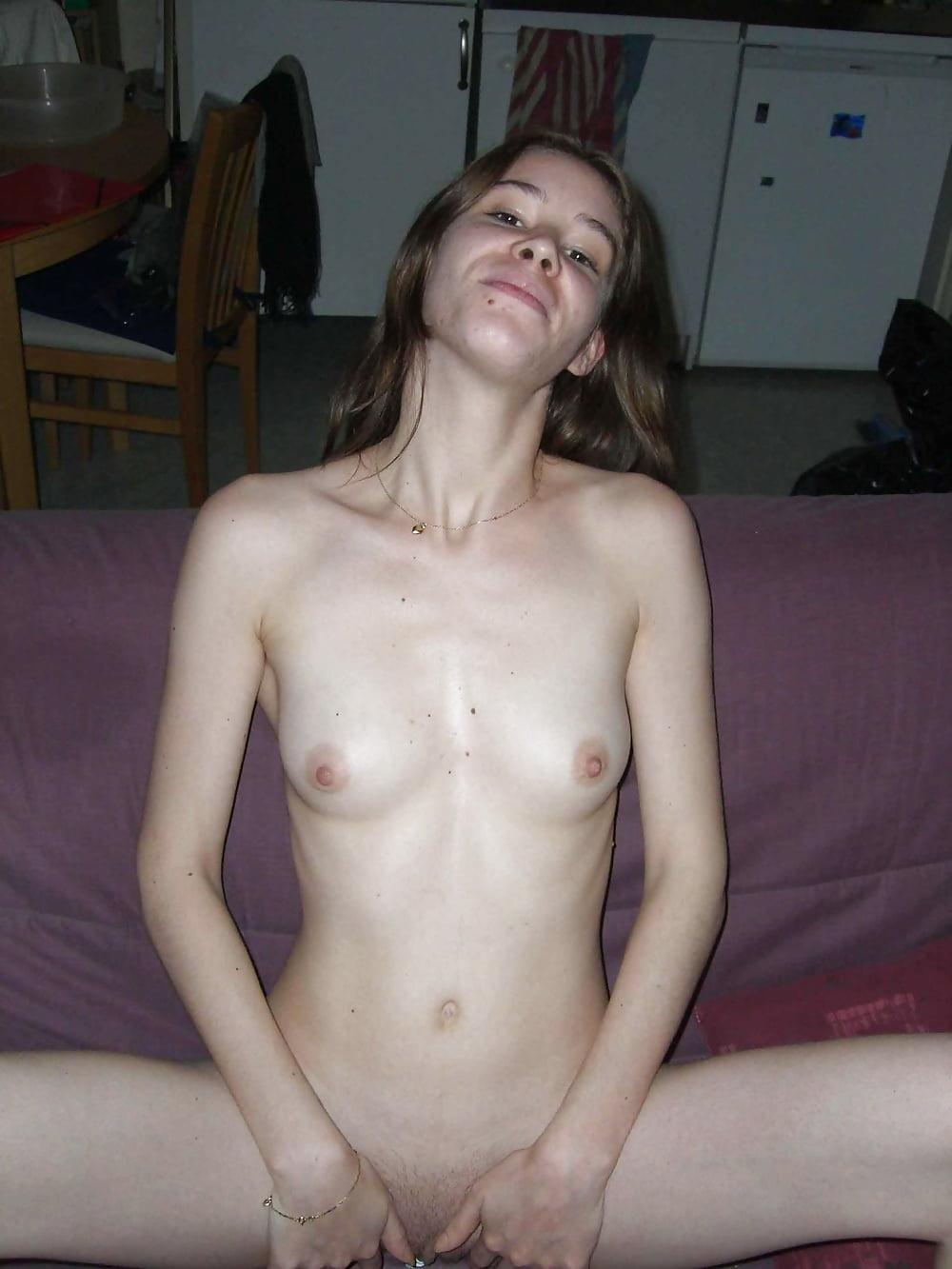 Amateur girlfriend small boobs