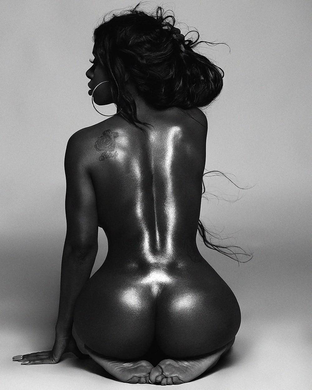 Nude dark brazilian girls