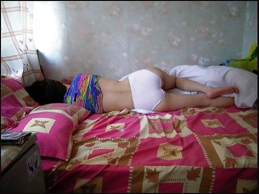 спящие девки с вытекающей спермой