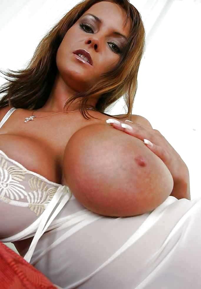 Hot Beautiful Boobs Pics