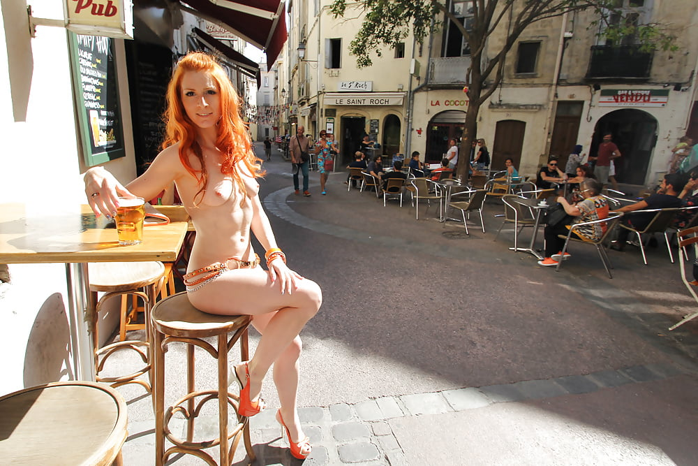 Topless Barmaid Fails To Save Troubled Pub