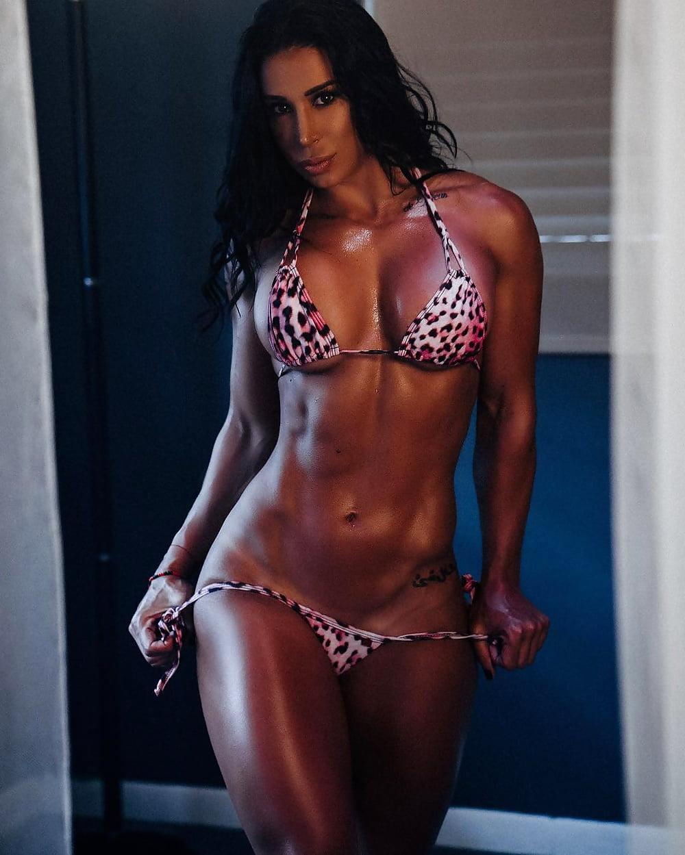 Ophilia female fitness model, nude jennifer smith