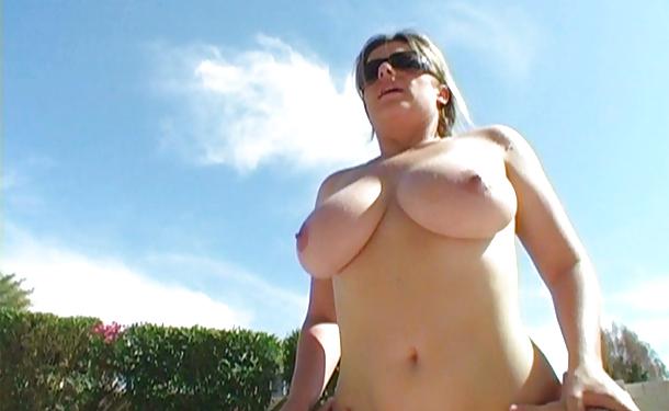 Flashing girl nicole paradise nude