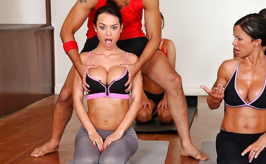 стояла супер групповуха во время занятий фитнесом что
