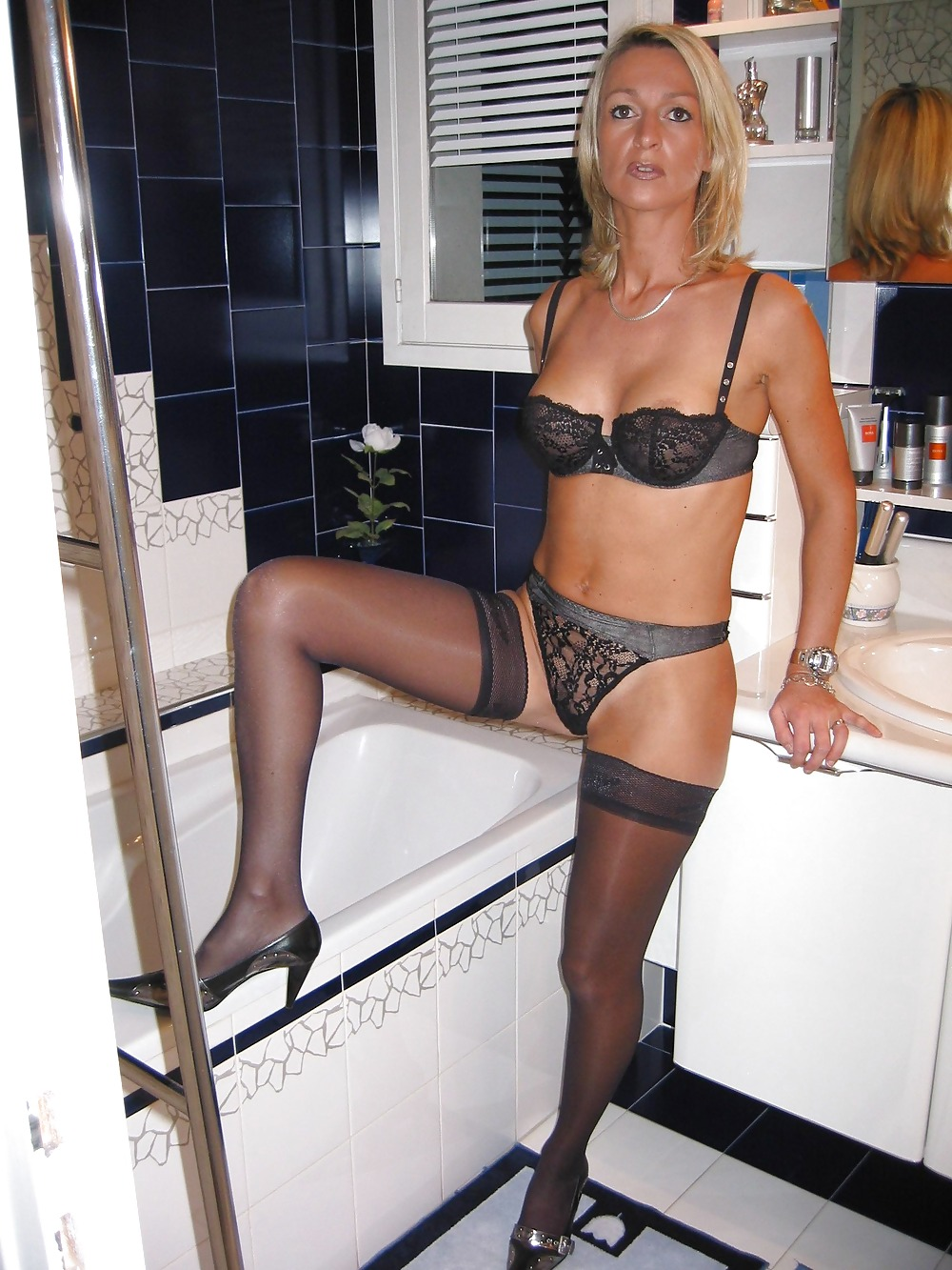 erotic-housewife-prostitute-story
