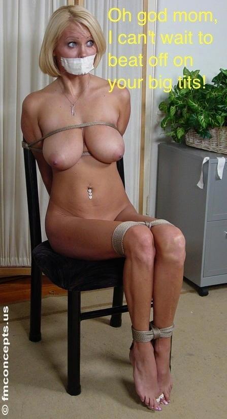 тетка голая привязывая за стул фото