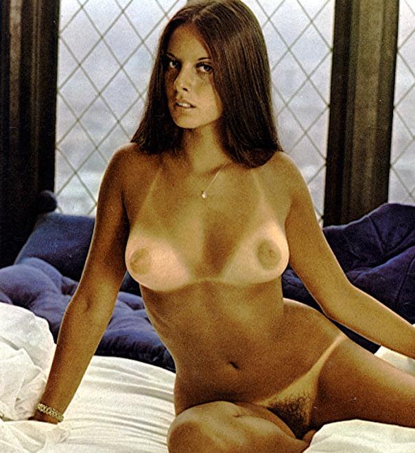 young-ellen-michaels-nude-porno-gratuito