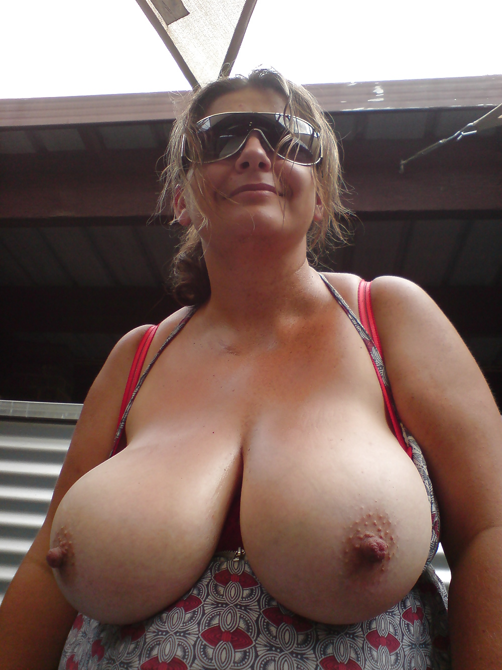 sexy-girls-mature-xxl-tits-in-tight-tops-women