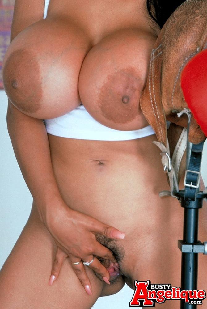 Angelique's Workout - 43 Pics