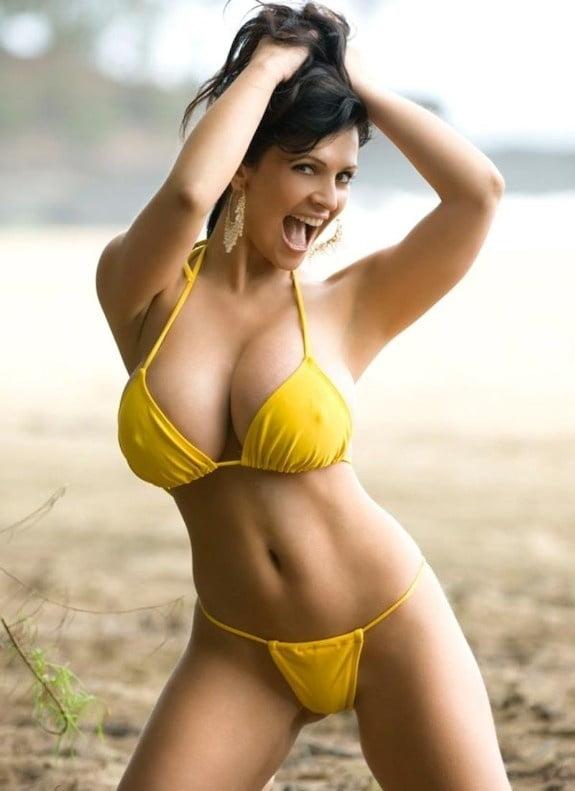 Real girl, real big boobs in bikini porn pic