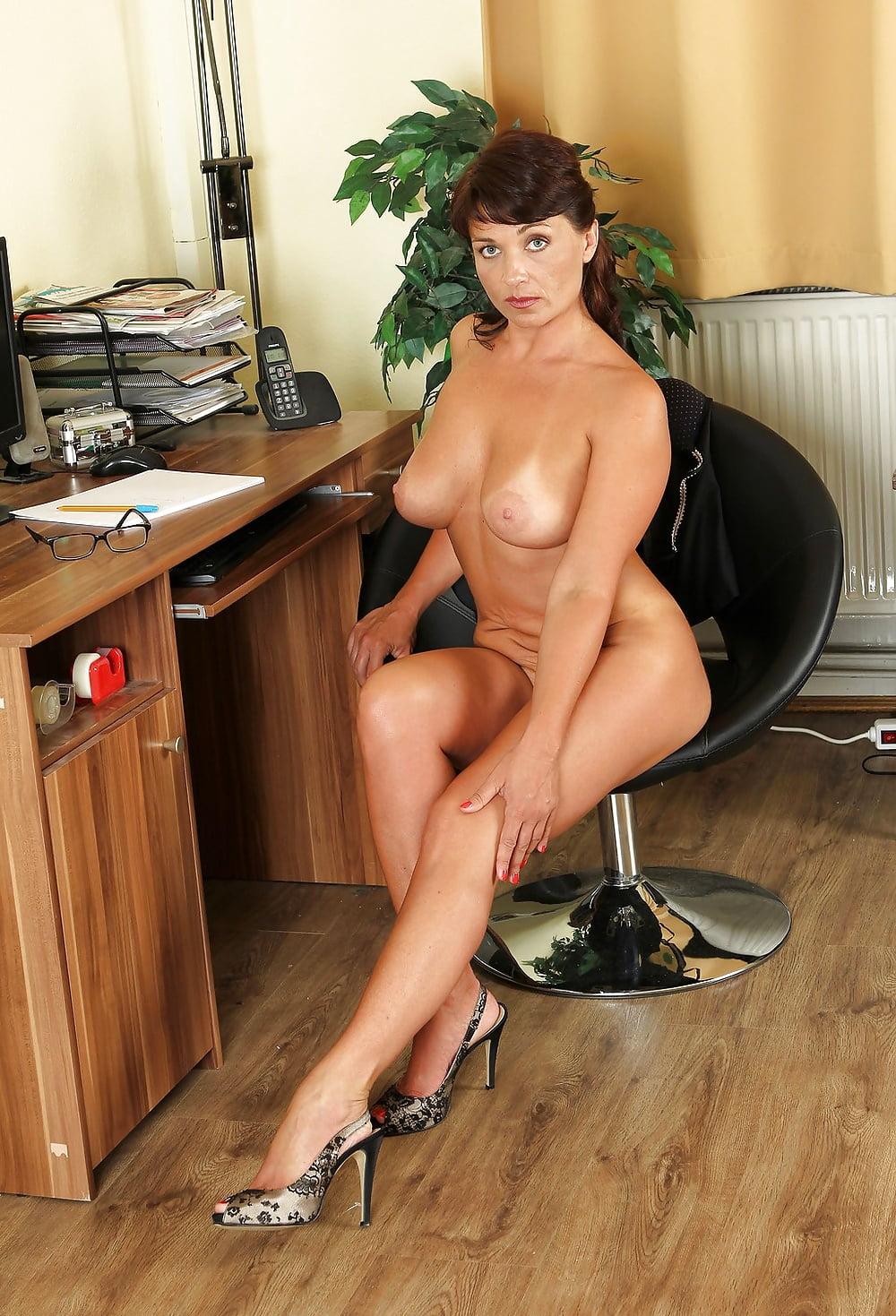 Зрелые офисные дамы эротика