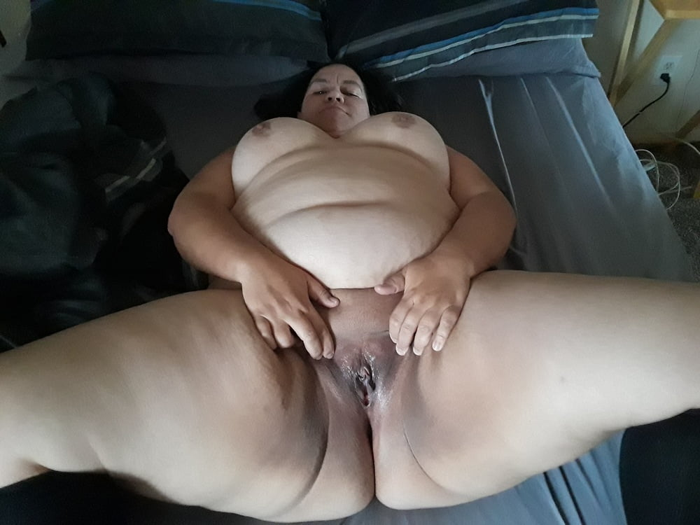 Bbw joi pussy spreading and riding