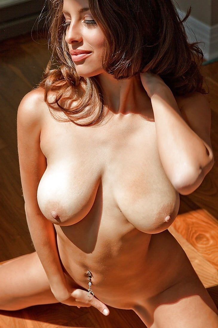 Big Beautiful Tits - 52 Pics - Xhamstercom-8810