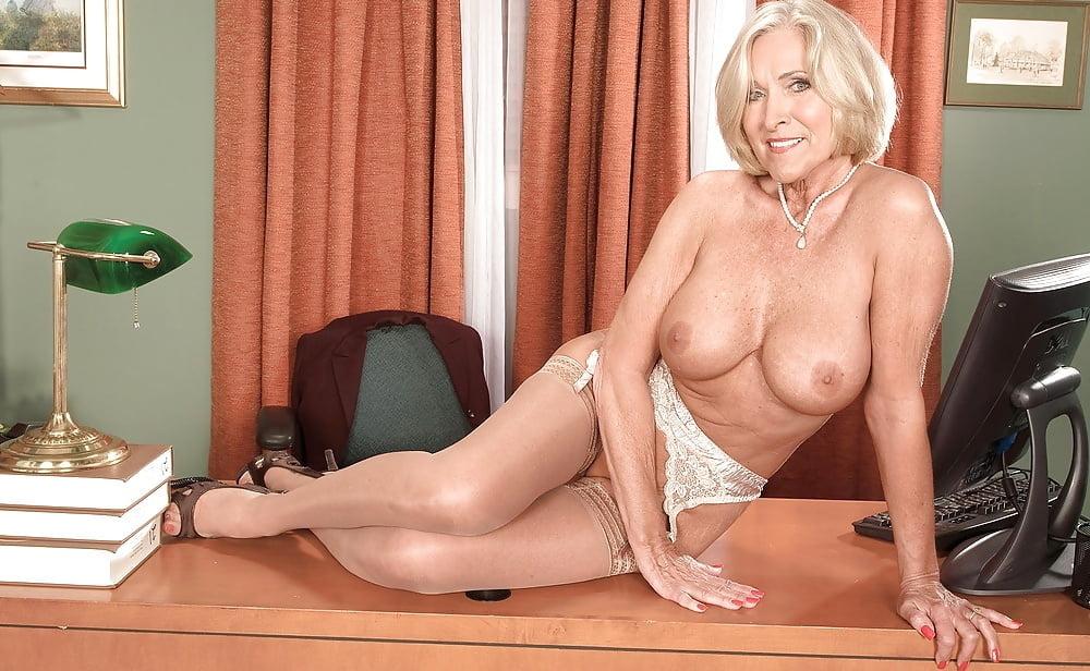 Nude classy milfs
