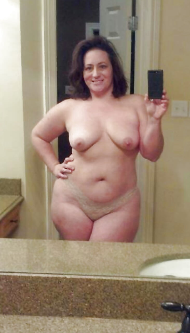 Naked chubby mature selfie, mature chubby hairy pussy