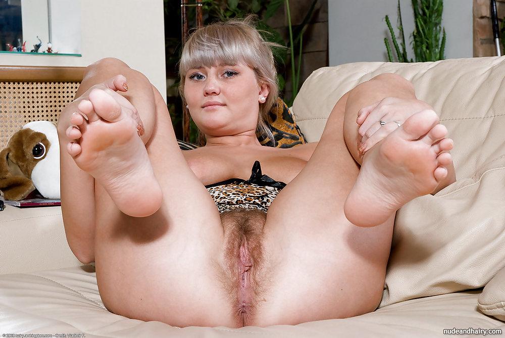 porno-zrelie-zhenshini-s-korotkimi-nogami-foto-mineta-sekretarsh