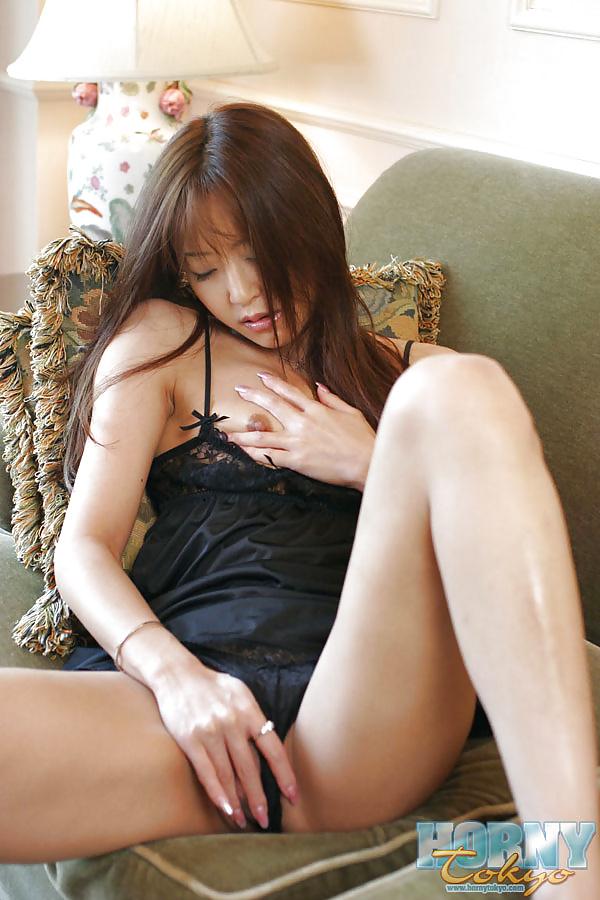 китаянка мастурбирует фото успел возбудиться