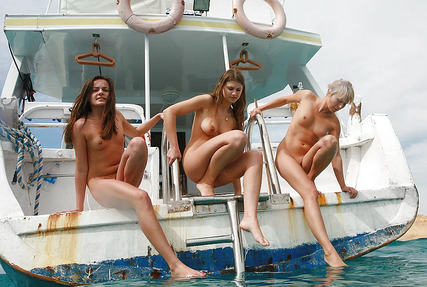 Kardashshian family nude sailing
