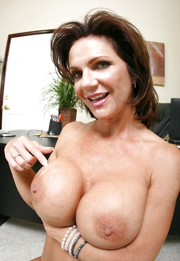 Deauxma big boob — photo 1