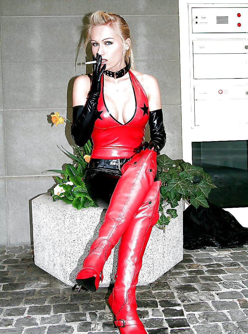 Girl smoking ladies ann angel fox smoke smoking sweetie belle vape foxes