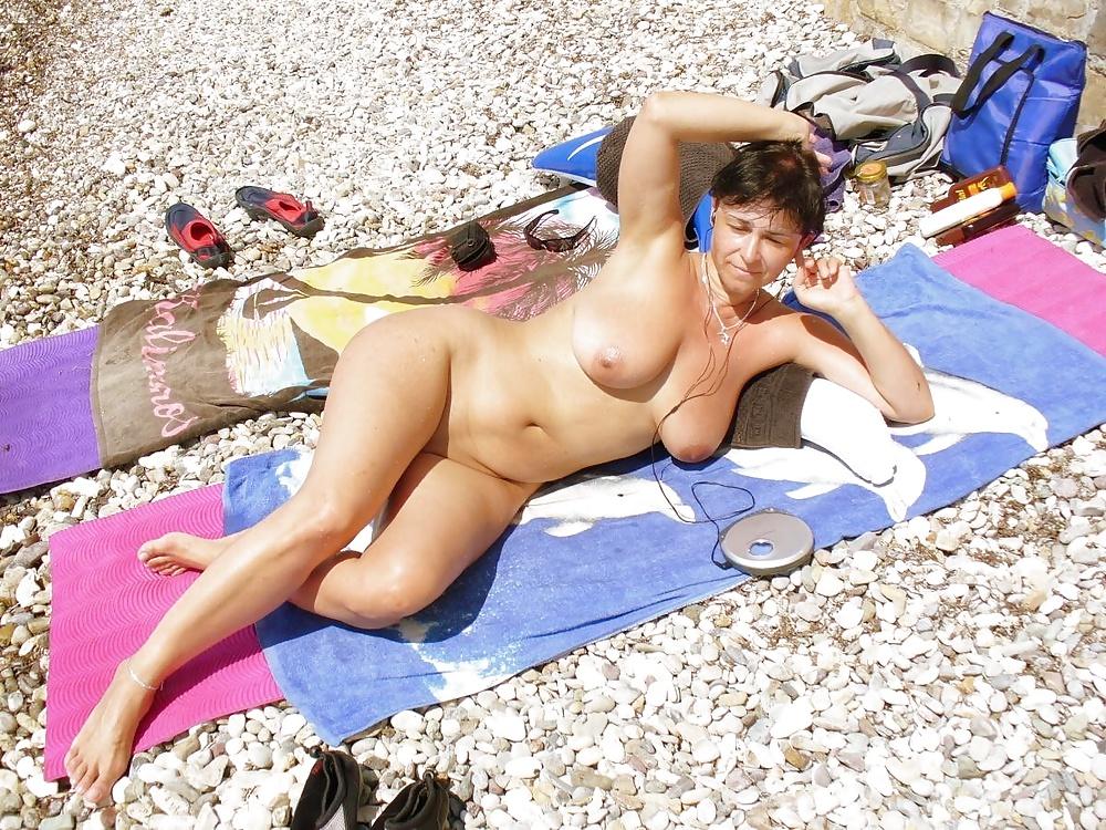 Фотках фото голых отдыхающих дам половые
