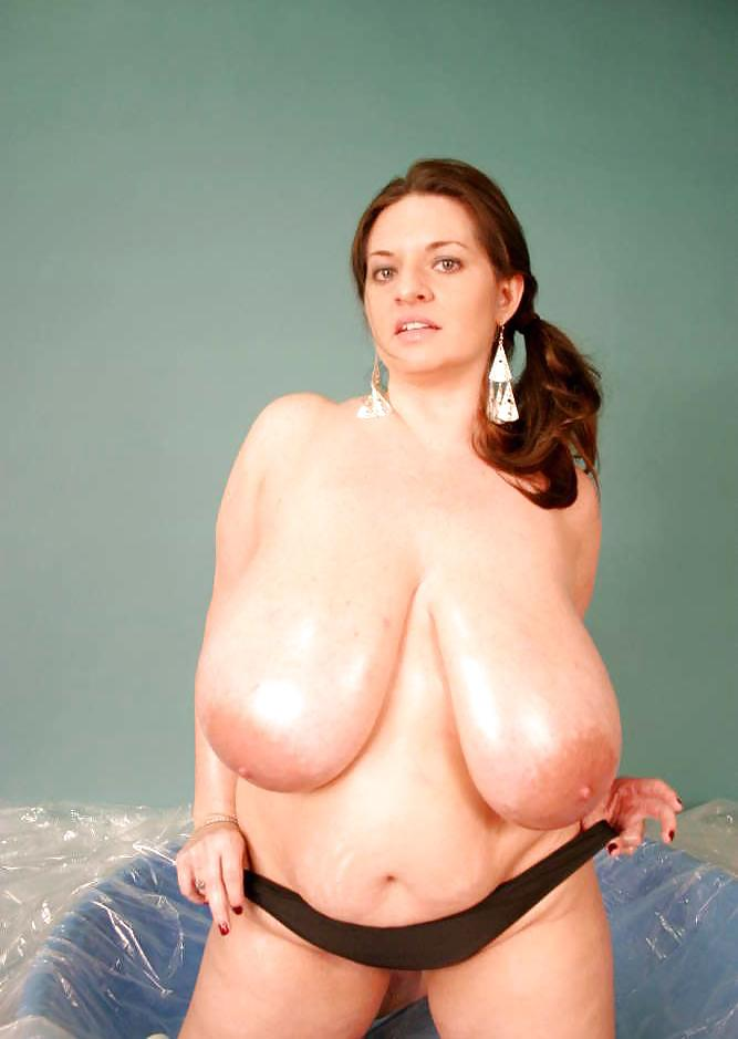 Plumperpass Maria Moore