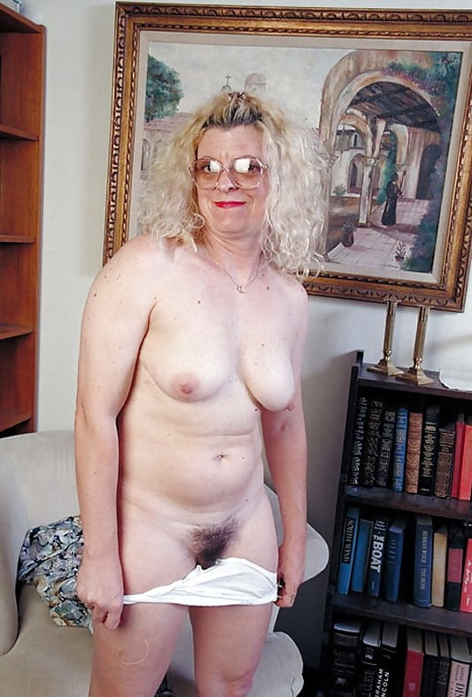 granny-glasses-nude-girl-gets-the-mmf