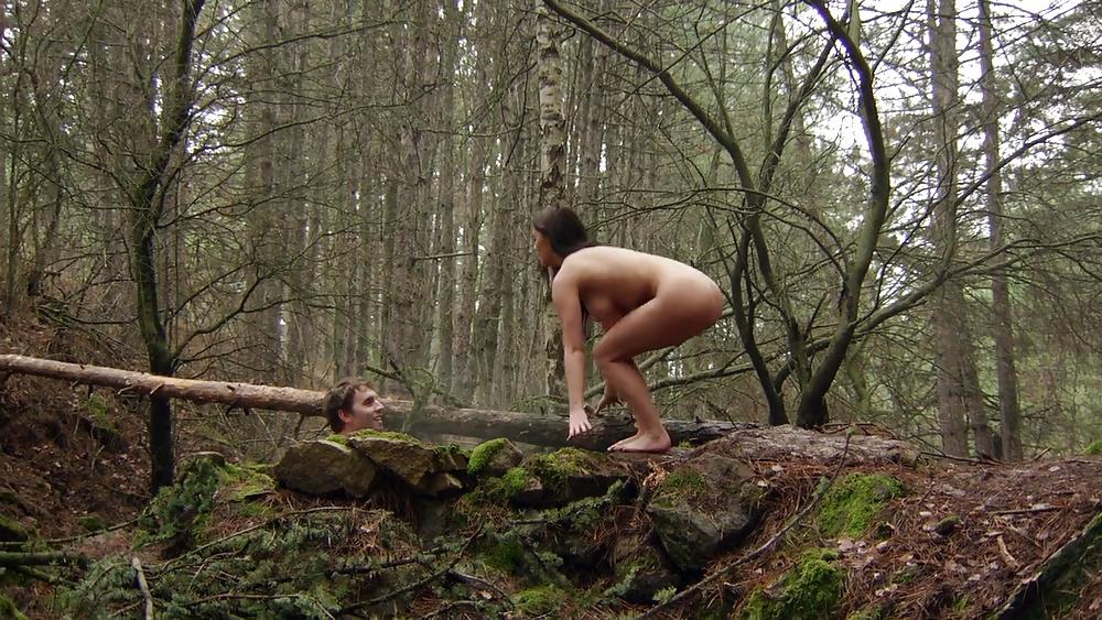 molodih-eroticheskiy-film-na-v-lesu-porno
