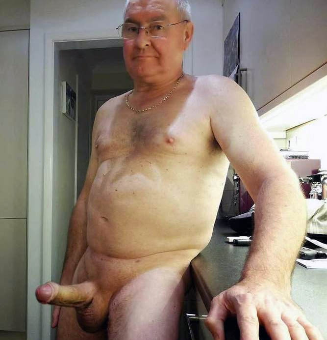 Naked old man with small penis — img 4