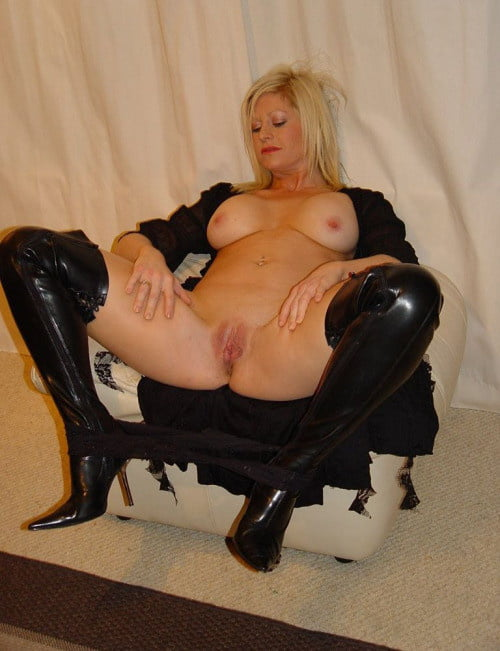 Homemade Amateur Babes In Boots Sex Daftsex 1