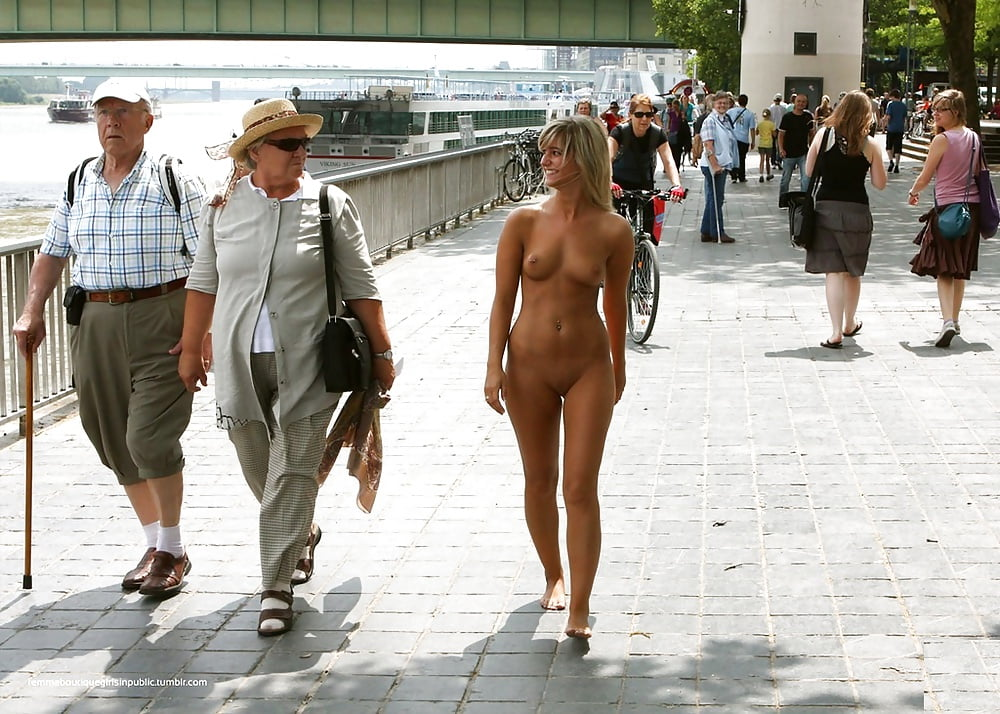 Yougaleryrs Prank Unsuspecting Public By Walking Around Naked For Day