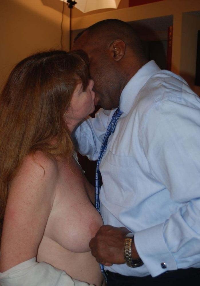 The Kiss - 19 Pics