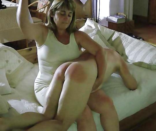 Milf spanking pics