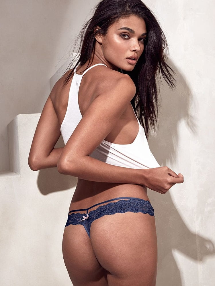 Daniela braga topless