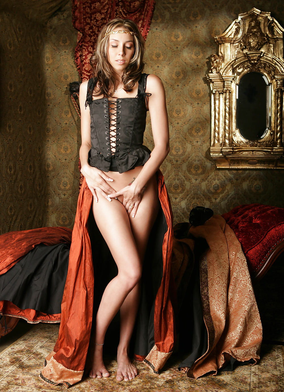 эротика в средневековом стиле фото сообщила