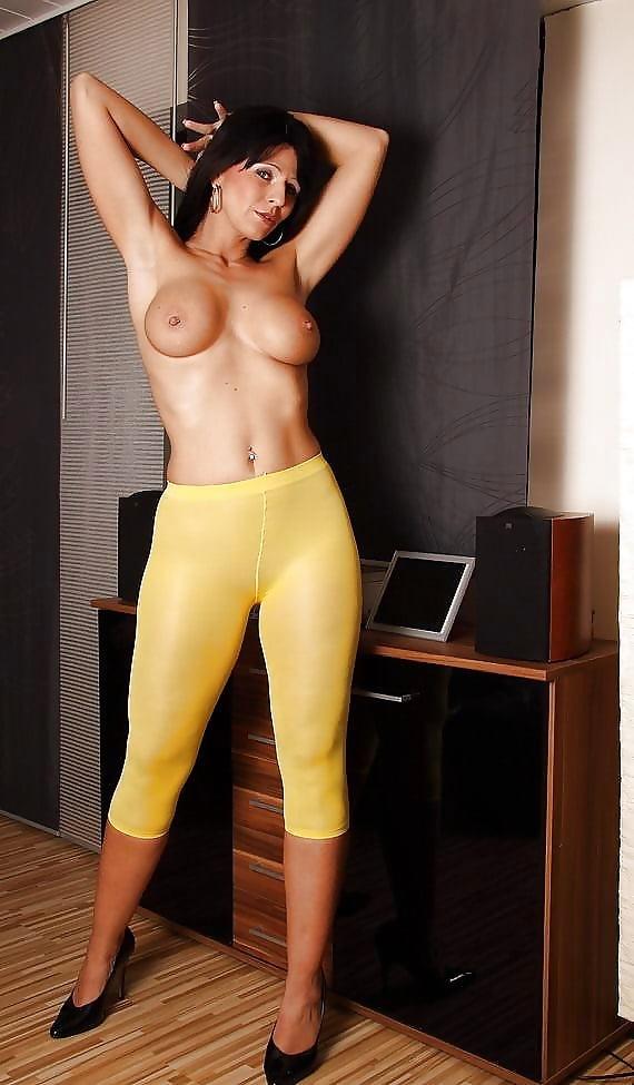 Красивая картинки голые девушки в лосинах, мир оргазмов русское