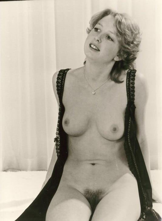 Retro Tits 76 - 10 Pics
